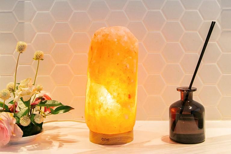 ONELIVINGS推出舒壓喜瑪拉亞鹽燈